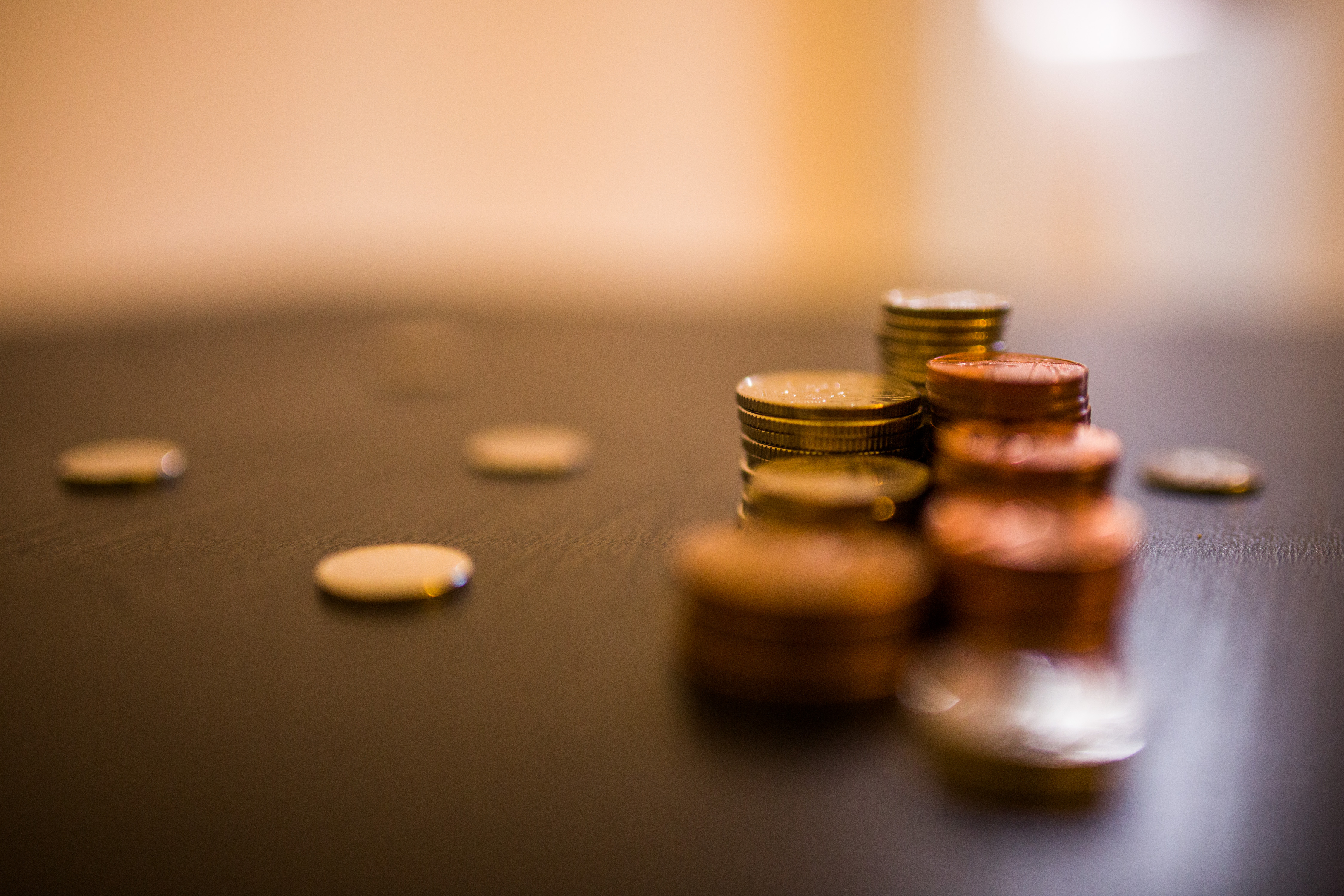 Importance of employee compensation as wages decrease 0.5% | Incentive&Motivation